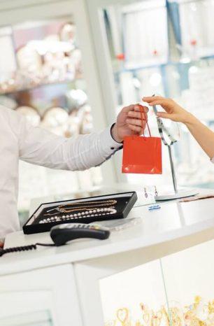 7 dicas para encantar e fidelizar seus clientes